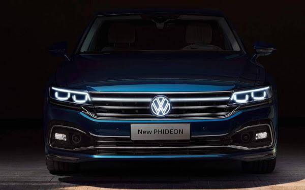 VW Phideon 2021 traz grade dianteira iluminada em LED